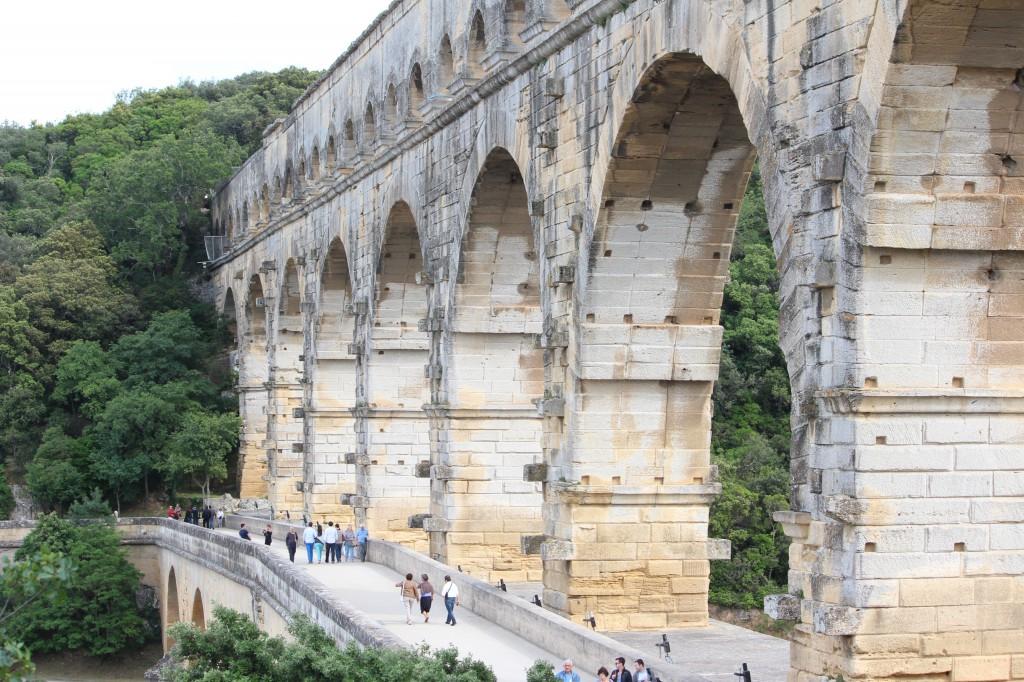 древнеримский акведук Пон-дю-Гар франция