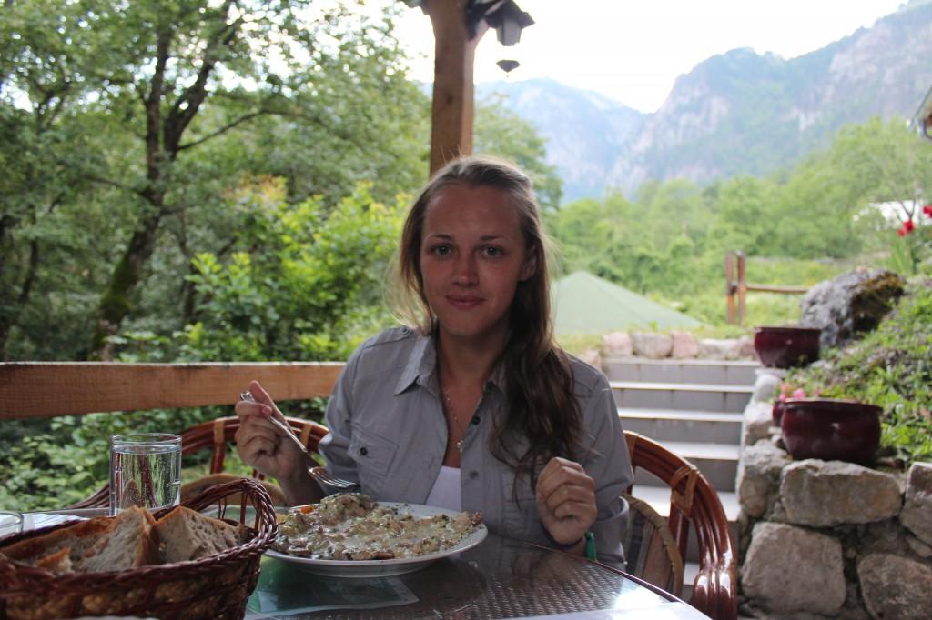 еда в черногории цены